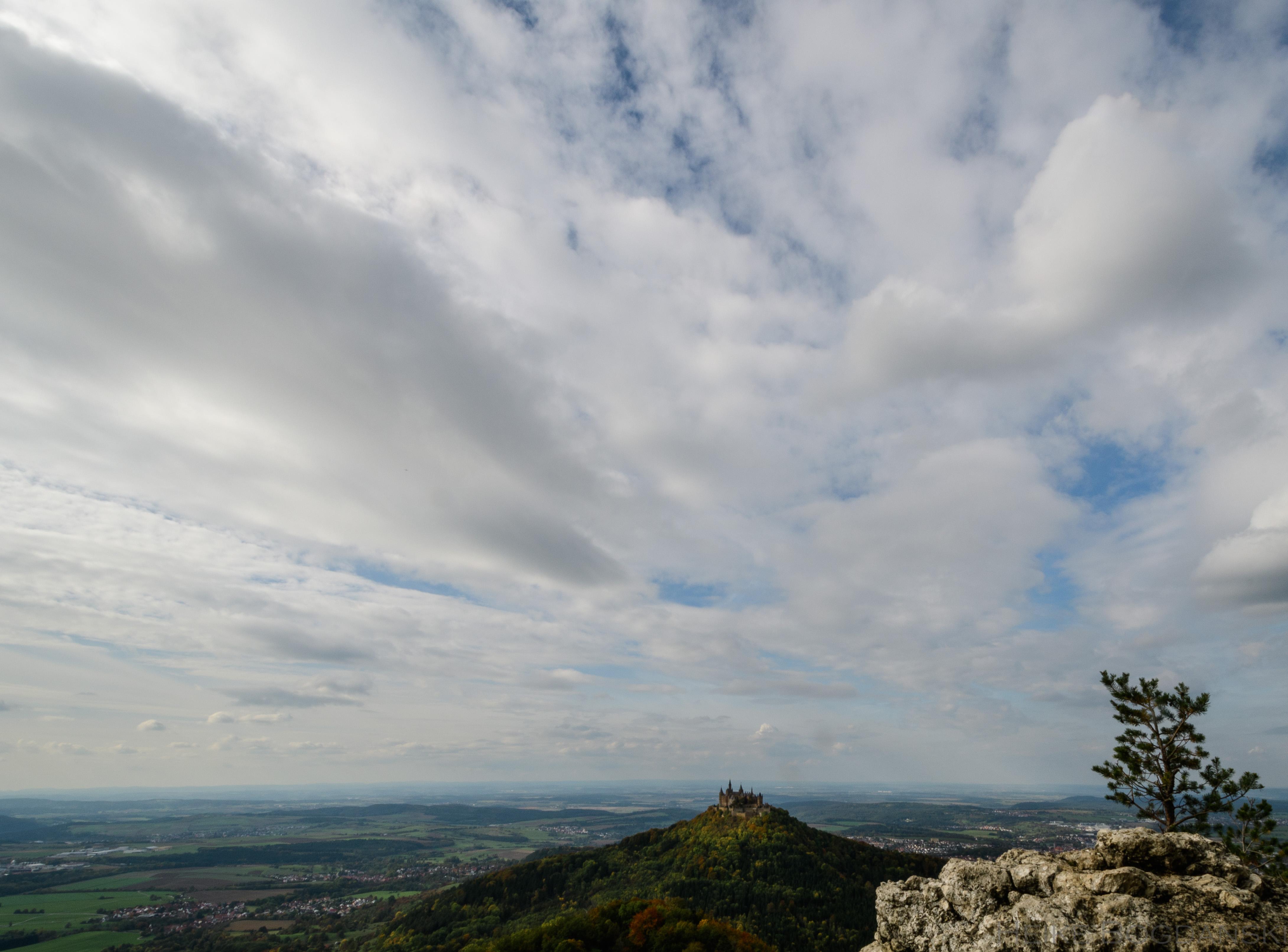 Die Burg Hohenzollern im Herbst